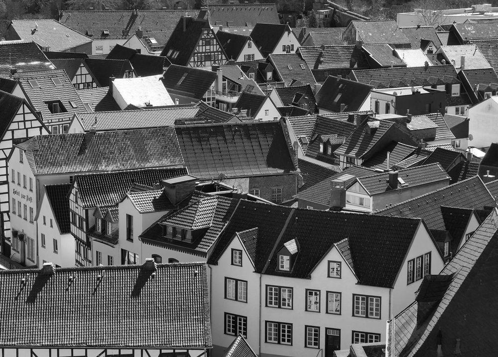 Dächer der Stadt  Bad Münstereifel von der Stadtmauer aus gesehen