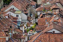 Dächerlandschaft in der historischen Altstadt von Bern (2)
