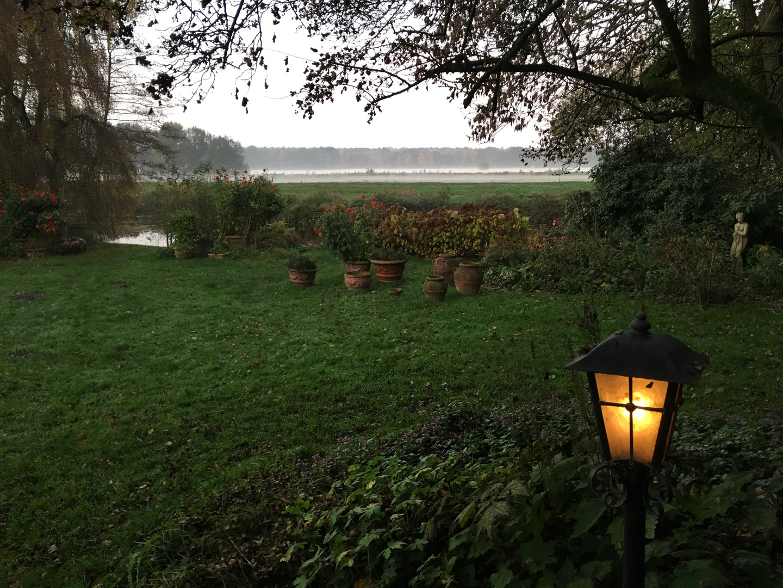 Dämmerung im Herbst