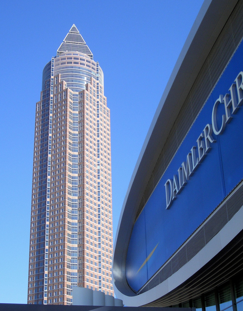 Daimler-Chrysler-Halle auf der IAA 2005