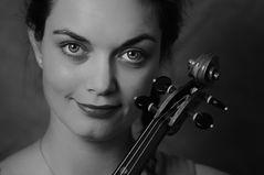 Dajana mit Geige 3