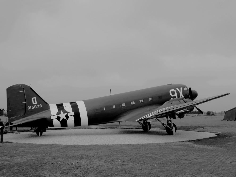DAKOTA - 1944 (Merville - 14)