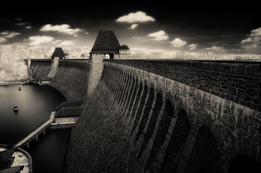 ~ Dam Wall II ~