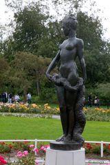 Dame im Park