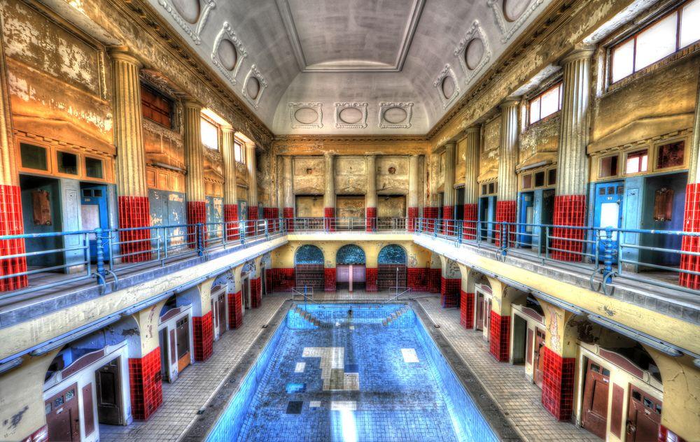 Damenschwimmhalle