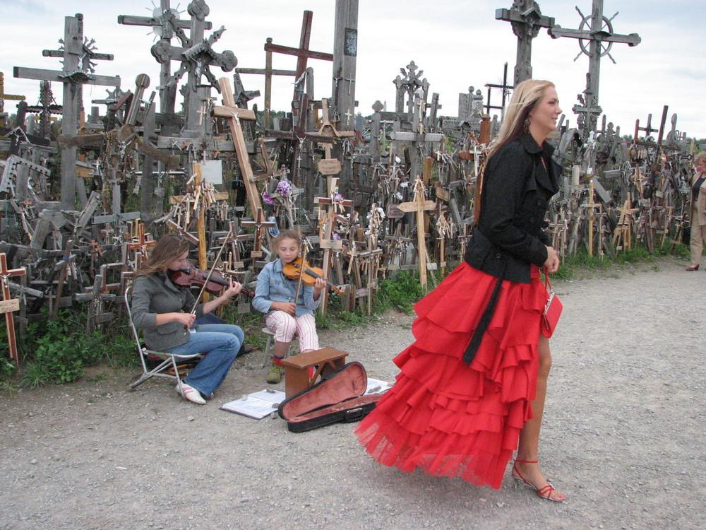 damigella della sposa a Kryziu Kalnas ( Lituania )