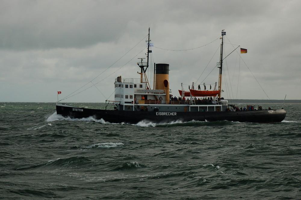 """Dampfeisbrecher bei der """"Hanse - Sail"""" 2008"""