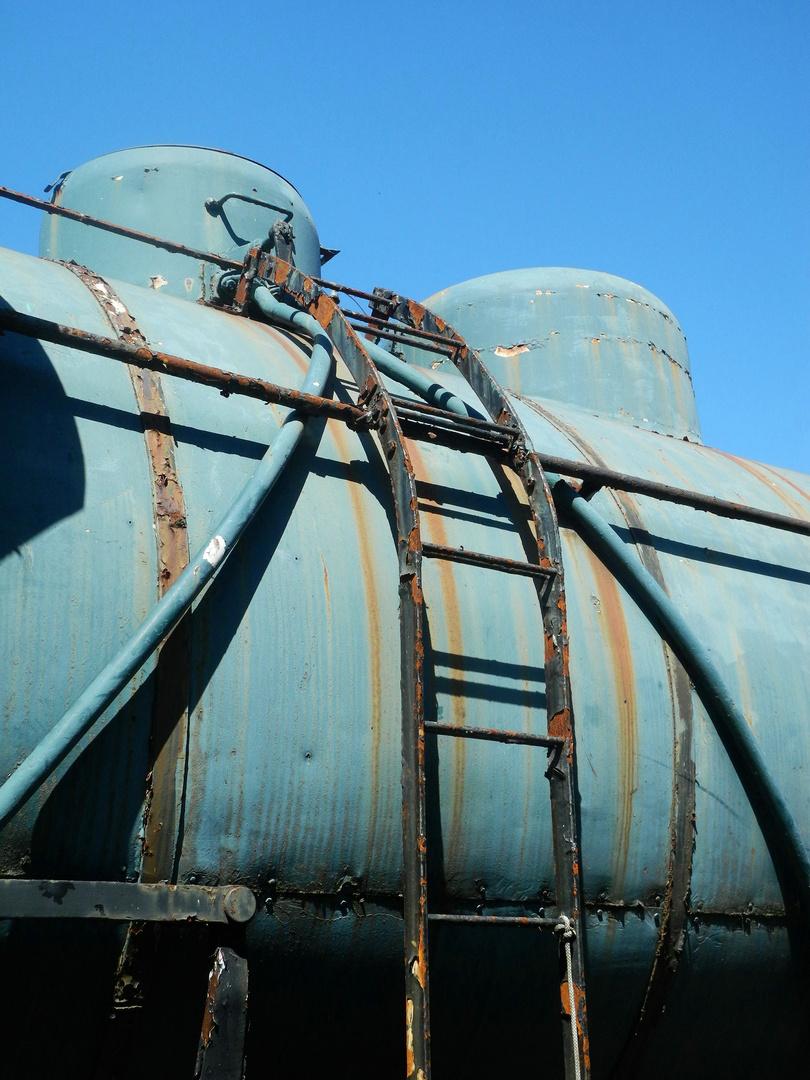 Dampfkesselbesteigemöglichkeit an . . .