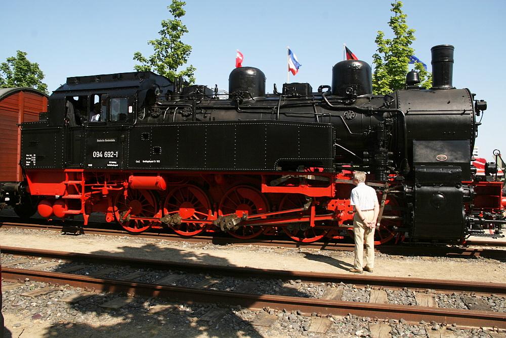 Dampflok 094 692-1 auf Besuch in Kiel