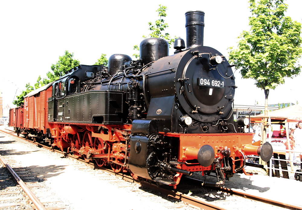 Dampflok 094 692-1 zu Besuch in Kiel