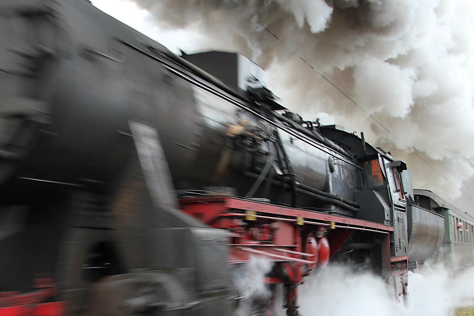 Dampflok bei Gutach auf der Schwarzwaldbahn