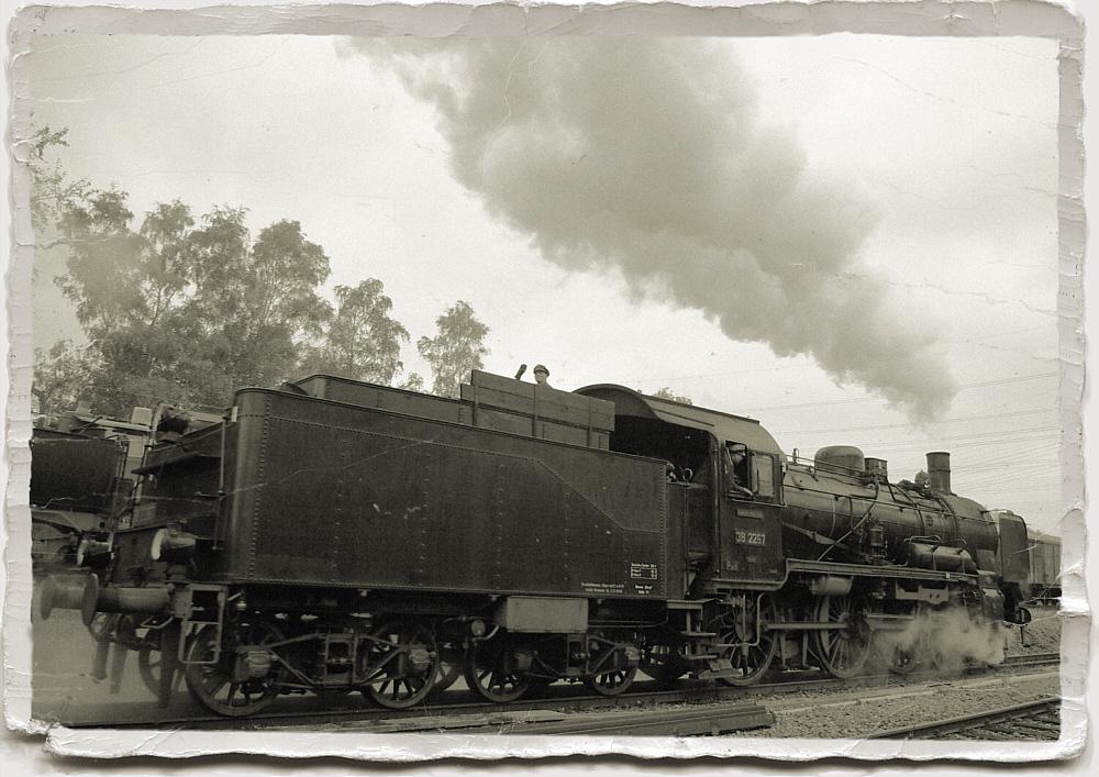 Dampflokomotive wie damals,aber doch im Hier und Jetzt.