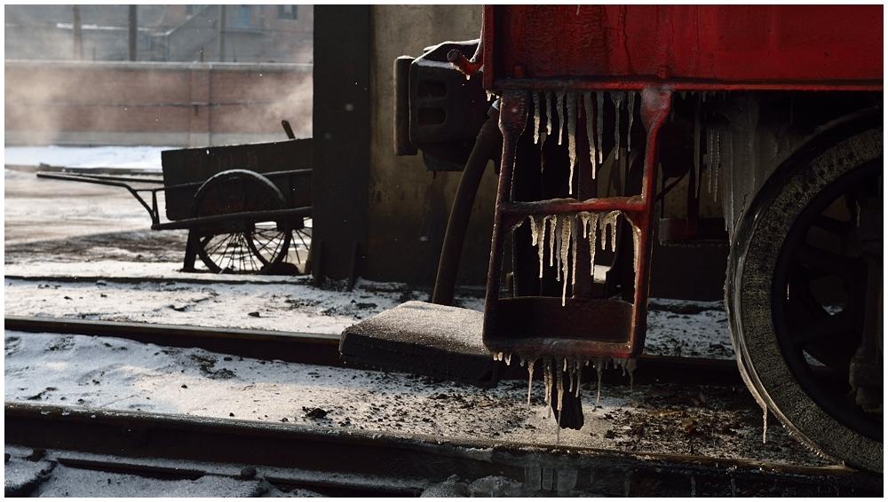 Dampfloks im Winter IX