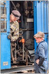 Dampfmaschinenführer fachsimpeln über ihr Hobby