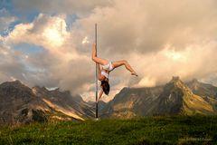 dance between mountain ... 02