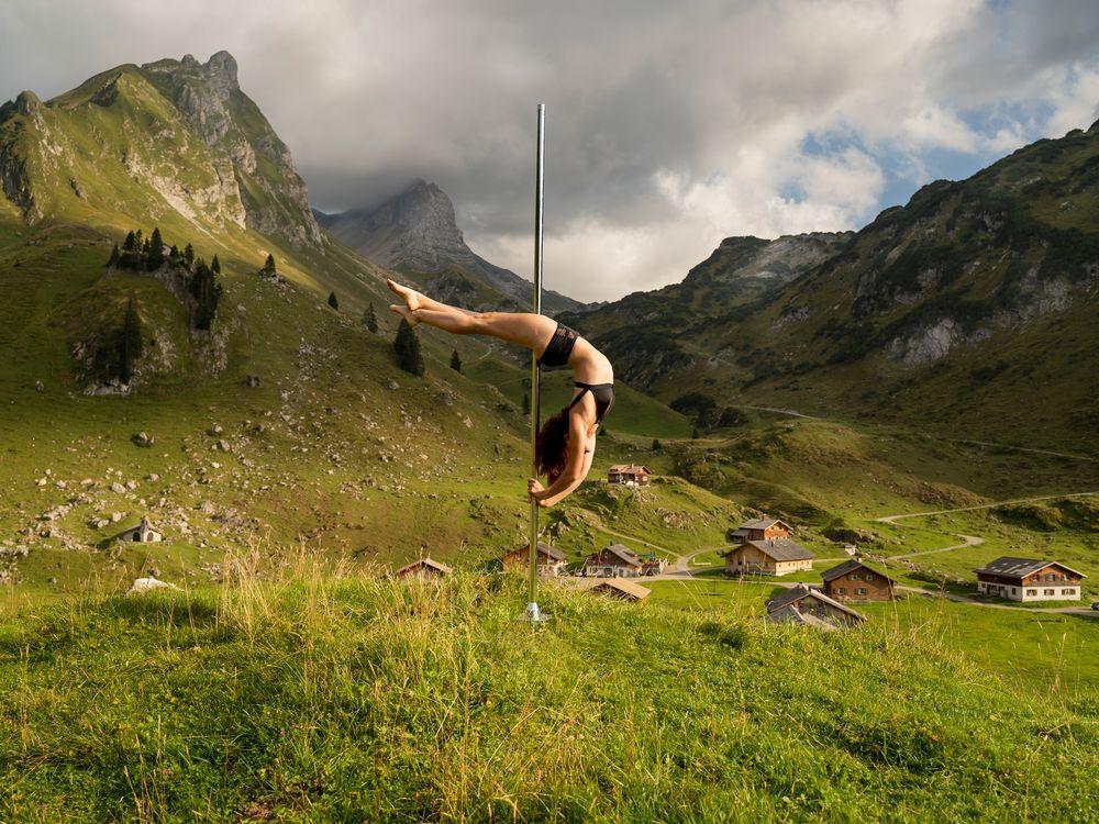 dance between mountain ... 03