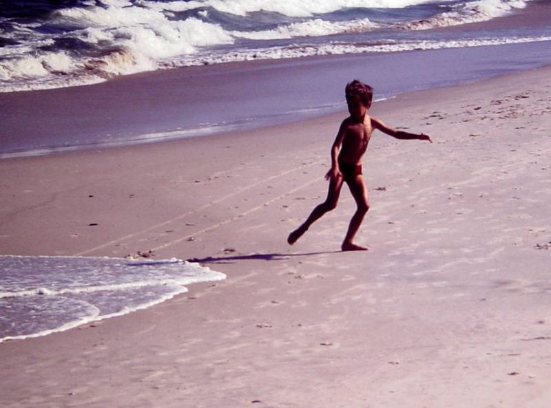 dances with waves.