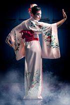 dancing like a geisha