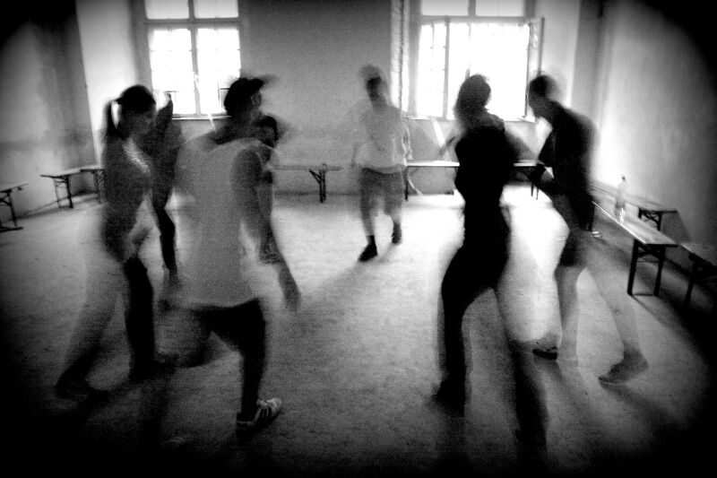 dancing ye ye