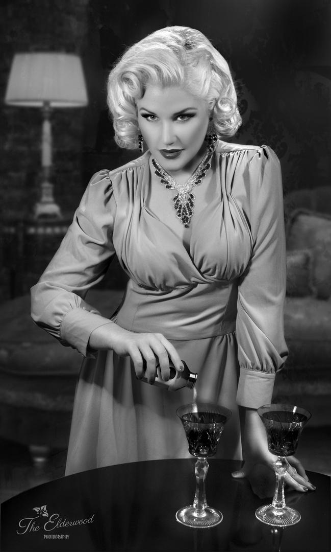 Dangerous Leila Lipstique By The Elderwood Foto  Bild  Erwachsene, Menschen Bilder -8803