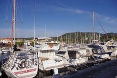 Dans le port de Toulon ....
