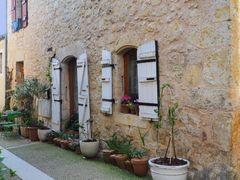 Dans une rue de Saint-Orens-Pouy-Petit