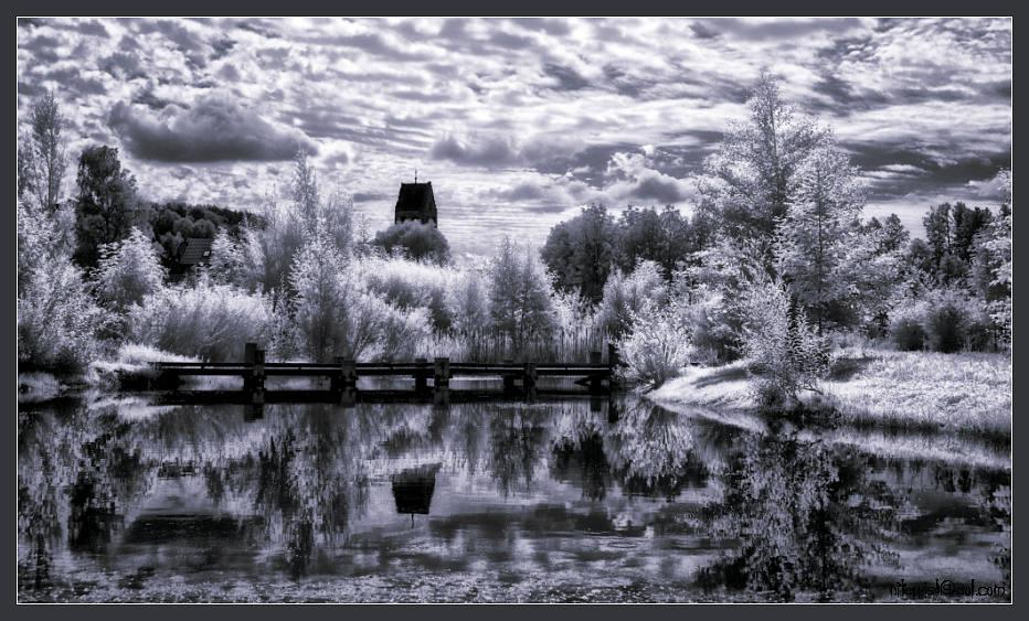 Dark Lake XL