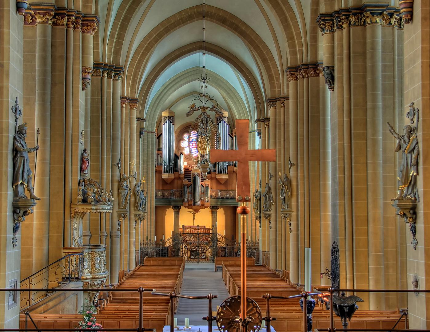 Das Altar Kreuz