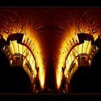 Das Alte Rathaus mit gläsernem Treppenhaus bei Nacht und gespiegelt - Collage 1