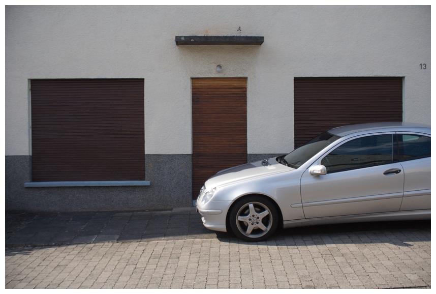 das alte thema. auto vor haus geparkt. also nenne ich es besser irgendwie anders.