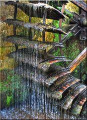 Das alte Wasserrad von Annweiler am Trifels