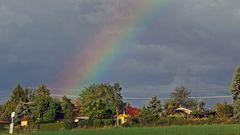Das andere Ende des Regenbogens gestern vormittag im Sturm ...