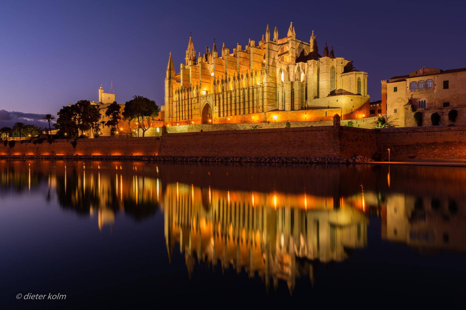 das andere Mallorca - gespiegelte Kathedrale