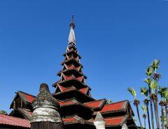 ...das Bagaya Kloster in Ava...
