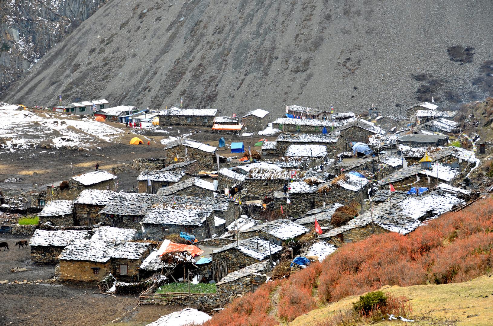 Das Bergdorf Samdo in der Manaslu-Region