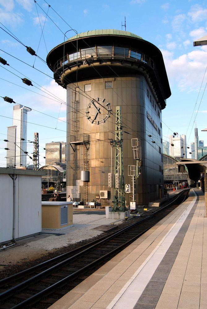 Das berühmte Stellwerk in Frankfurt am Main