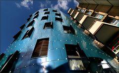 * Das blaue Haus *