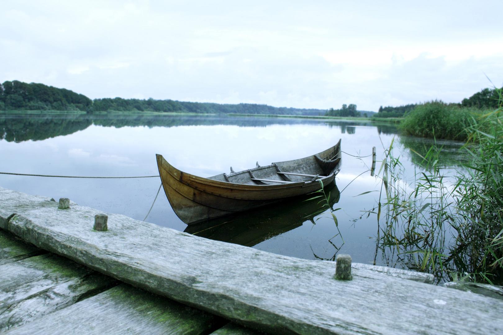 Das Boot am See