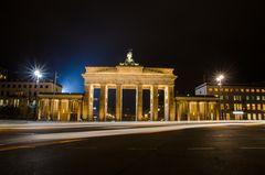 Das Brandenburger Tor in Berlin bei Nacht