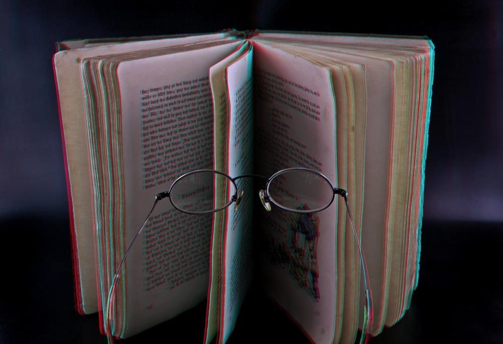 Das Buch in 3D  ***Platz 6 im Foto Hits Wettbewerb***