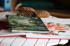 """das Buch in dem Gartenhaus ist """"bereitet"""""""