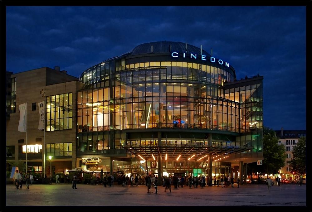Das Cinedom