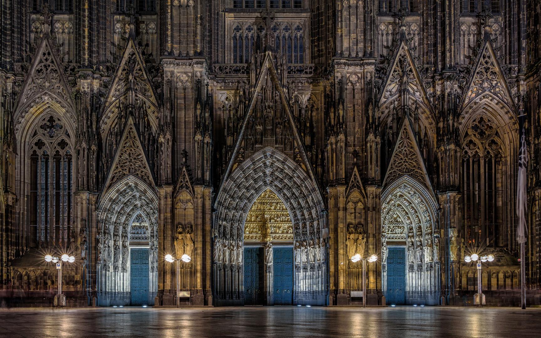 Das Dom- Portal