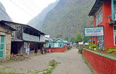 Das Dorf Tal am Ende des Manaslu-Treks