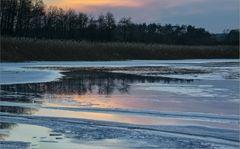 Das Eis schmilzt auf dem Grimnitzsee