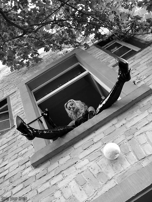 fenster im treppenhaus offen wohn design. Black Bedroom Furniture Sets. Home Design Ideas