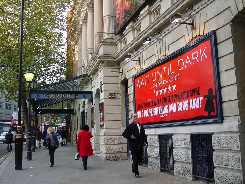 Das Garrick Theater an der Cross Road