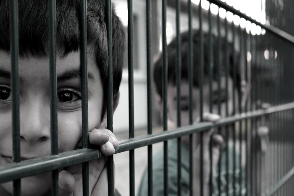 Das Gefühl ein Fremdes Kind in Deutschland zu sein ist die Einsamkeit
