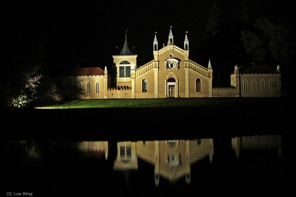 Das Gotische Haus bei Nacht
