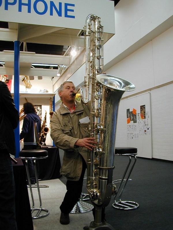 Das größte Saxophon der Welt: Kontrabaßsaxophon